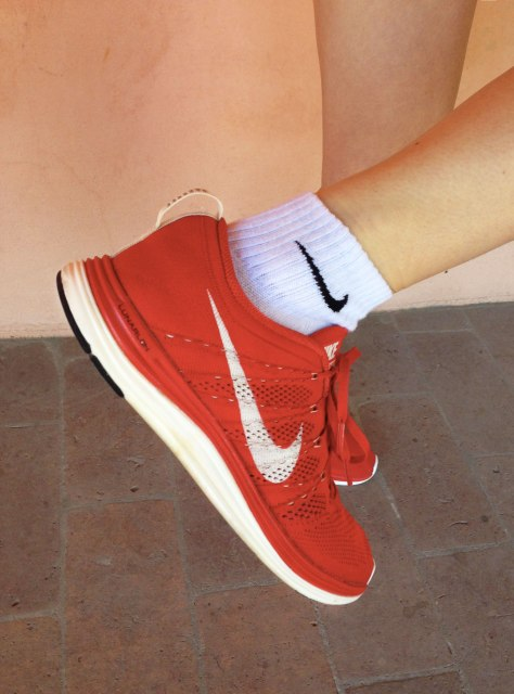 RED-NIKE-2